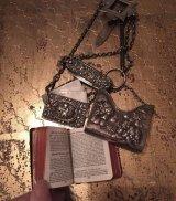 19世紀の銀製素晴らしいシャタレーン 聖書、メモ帳、爪の手入れセットなど