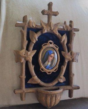 画像3: ハンドペイントの陶板(嘆きのマリア)付き 聖水盤